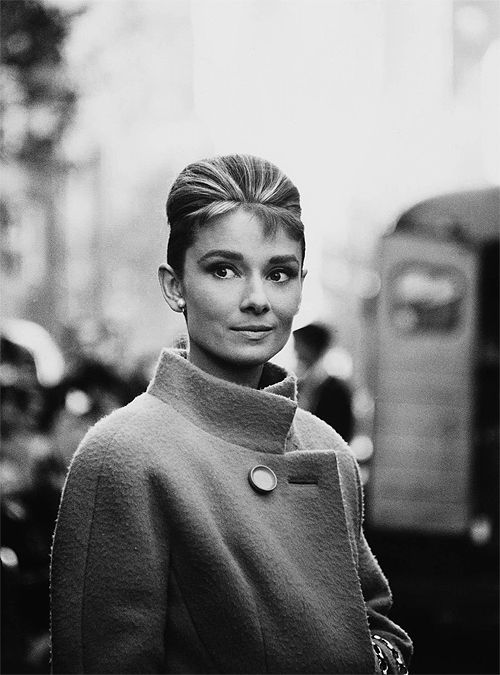 audrey-hepburn-breakfast-at-tiffanys-Favim.com-439106