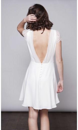 la-petite-robe-blanche_harpe